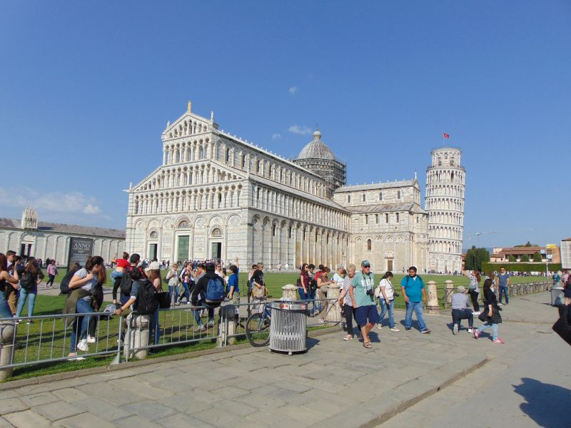 Catedrala (domul) turnul din Pisa