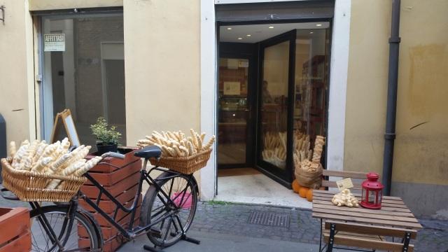 Ferrara brutarie si biciclete