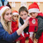 Crăciunul pare departe. Pentru unii copii pare să nu vină niciodată. Ați putea schimba acest lucru cu o faptă mică, dar bună