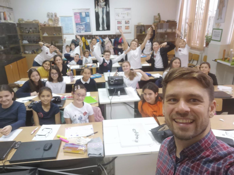 Adopta o clasa – un program de responsabilitate sociala initiat de Asociatia InspirAction