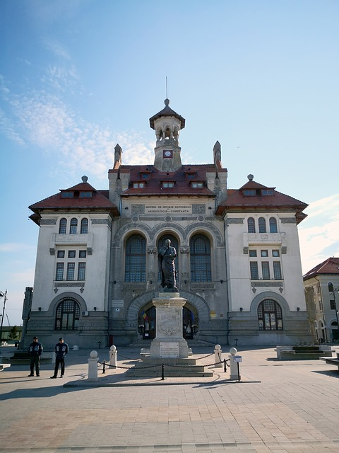 Aplicatii mobile te invita sa cunosti muzee si edificii de patrimoniu