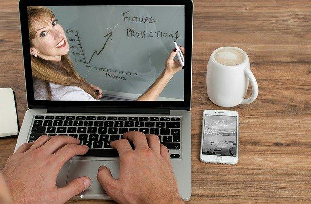 Cele mai bune platforme de cursuri online gratuite