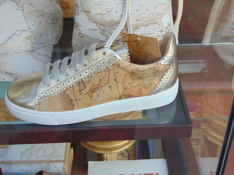 pantofi din piele pictata in florenta, harta lumii