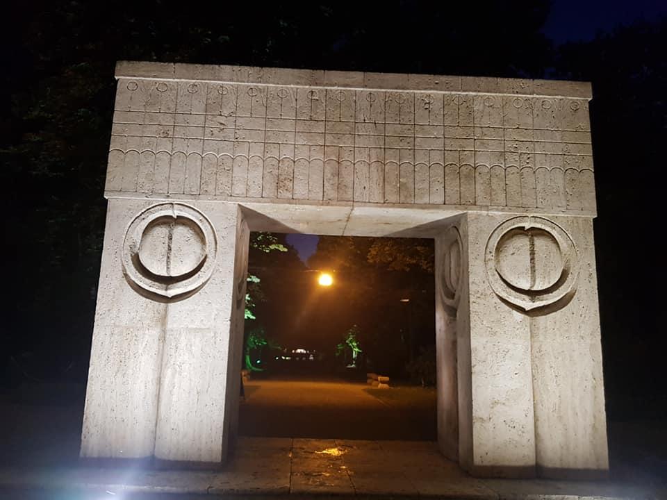 Poarta Sarutului - Targu Jiu - Gorj