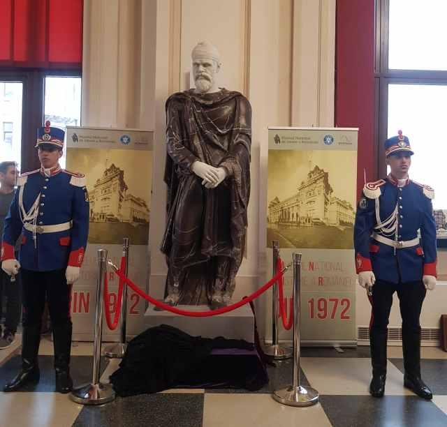 Stiati ca in lume exista 100 de statui de nobili daci? Cel care ar putea reprezenta chipul lui Decebal se intoarce acasa, in Dacia.