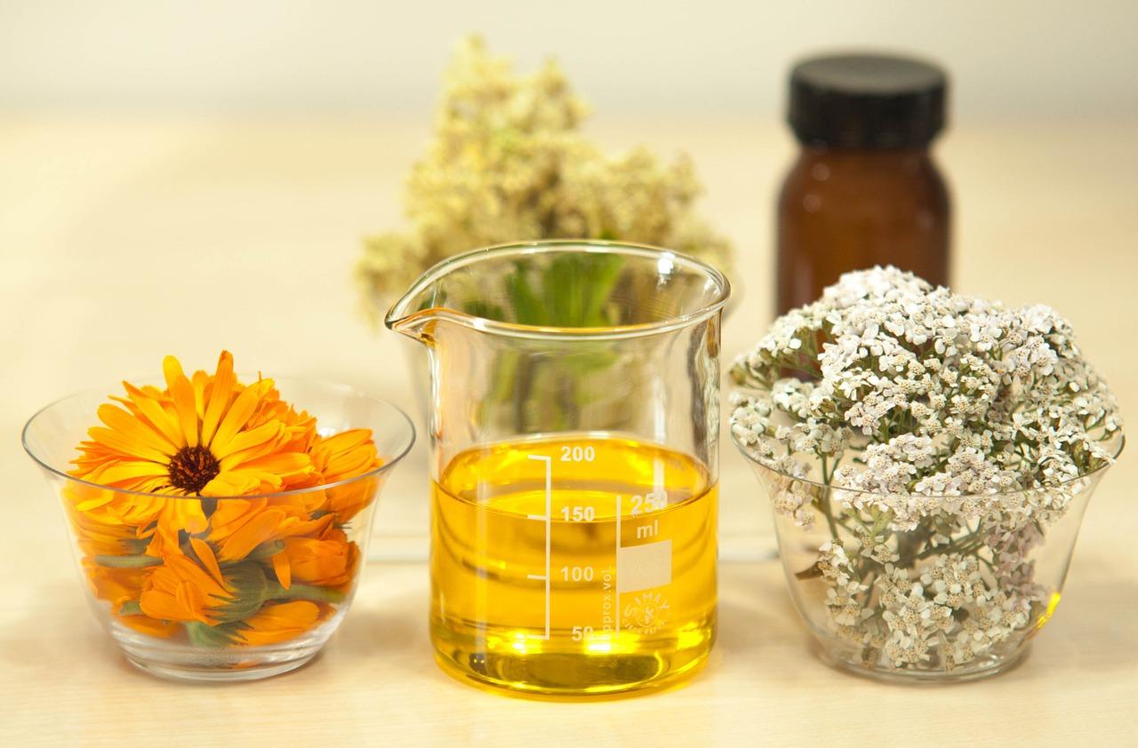 Beneneficii ulei de ricin pentru ten si par